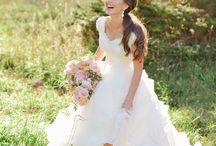 Wedding Dresses / by Courtney Vitale