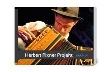 Herbert Pixner Projekt / Jimi Hendrix der Volksmusik. Paganini auf der Ziach, der Steirischen Harmonika. Vorreiter einer neuen Alpenmusik: Herbert Pixner.   Christoph Huber und Charly Rabanser zeigen Einblicke in das Herbert Pixner Projekt.
