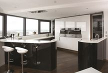 Parapan acrylic kitchens / http://www.unitsonline.co.uk/parapan-kitchens