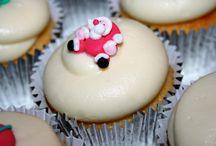 Holiday season cupcakes