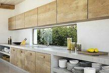 Kuchnia: beton, marmur, drewno, szarość, biel