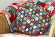 crochet :: blankets pillows & coziness