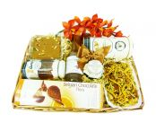 Christmas Gift Hampers UK / Offering online christmas gift hampers in hayes ,London.