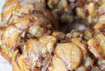 Apple pie monkey bread / Chelsea buns