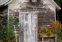 Cottage / by Kellie Lunsford