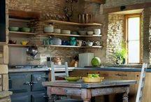 Кухня с низким потолком