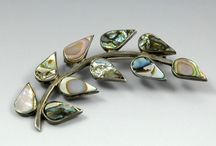 Vintage Jewelry & Watches / Vintage jewelry and watches.