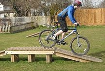 BMX Mountain Bike Ramps / Our natural timber range of Mototrek obstacles offers an introduction to off road biking in your local park or recreation area which provides a challenging yet safe environment for cyclists, appealing to a wide range of age groups and skill levels. Mototrek circuits can be located onto a solid surface, for example an existing tarmac tennis court or into a grass site.