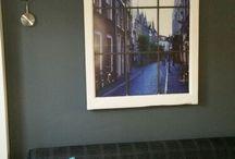 Een oud raam met eigen foto