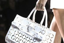 Must-have bags / Enjoy our selection of gorgeous handbags.