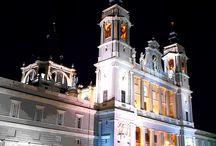 LA  CATEDRAL DE SANTA MARIA LA REAL DE LA ALMUDENA DE MADRID / No es una de la mas bonitas catedrales y encima es relativamente moderna, pero tiene su interés y por ende una espectacular cripta.
