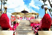 Modern Indian Wedding / at Ayana Cliff Resort, Bali