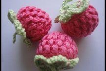 frutas, legumes, flores e animais de croche