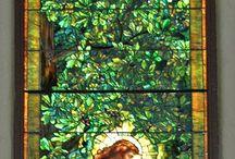 lasimaalaukset ja mosaik sekä tiffany