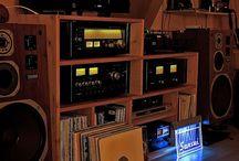 Vintage Retro Radio & Stereo Hi-Fi Electronics / Retro & Design Radio Electronics