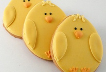 delish cute cookies / by Lisa Matulis-Thomajan