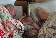 Bejaard vertederend