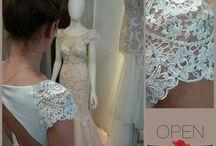 Open rose wedding
