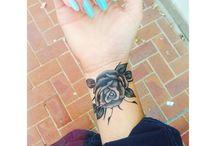 Τατουάζ Με Τριαντάφυλλα