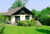 Vakantiehuizen Thüringen / Op dit bord tref je een aanbod van vakantiehuizen in de Thüringen regio te Duitsland aan. Deze zijn veelal online via onze website Recreatiewoning.nl te boeken. Het huuraanbod op onze site is afkomstig van zowel particulier als zakelijke verhuurders.