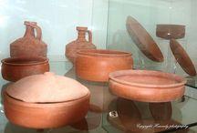 Ancient Roman cook pots. / Ancient Roman cook pots.