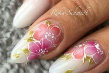 flower nail desing