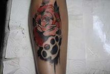 rose color tatoo