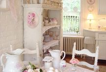 Shabby Chic... love this look! / by Francine Jenkins