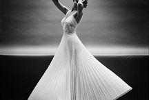 Wedding Dresses / by Amanda Aguirrechu