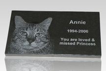Pet Memories / With our pet memorials we can create a wonderful memory of your loved best friend. Many people love their pets and want to create a memorial which will last forever and outlast time for their best friend. We are specialized in creating dog or cat memorials and memories.