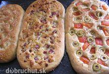domáce chleby a slane pečivo
