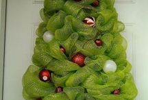 Christmas tree wreaths