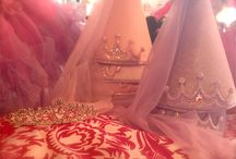 Lil Miss Dress Up / Dresses, tiaras, shoes, accessories and more! For the princess in your life. Children's dresses & formal wear