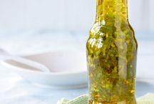 #Öl und #Essig #selbstgemacht - Rezepte / #Öl und #Essig selbst angesetzt und schön abgefüllt: Zum #Verschenken oder selbst verwenden. #Ölflaschen und #Essigflaschen finden Sie bei uns. http://www.flaschenbauer.de/Oelflaschen/