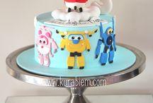 Superwings cake
