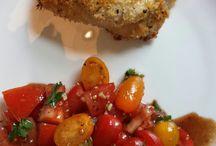 KIP / Parmezaanse kip met tomatensalade