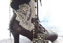 gypsy boots / by Dawn Landis-Rydle