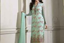 Designer wear / Threads & Hues offers remarkable ethnic designer wear for women all across the world. We believe in premium quality only and are known for the same.