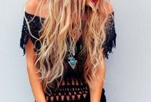 Festival Locks / With festival season in full swing, we have charted the most influential, quirky and trendy looks on offer! From boho waves and beautiful balayage to messy side plaits and up-do's. Discover gorgeous styles, past and present from celebs and festival goers. Enjoy!