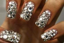 All that Glitters / Bling, bling, bling!