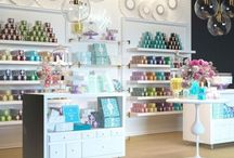 Candy Shop / Such a bright and shining shop will certainly attract the attention of buyers