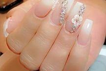 nails - drápky