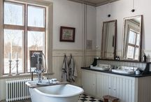 Checkered floors / It´s so classic - you can have it in any room, with any style, we have it in the bathroom