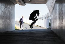 Natsumi Hayashi pictures. / Japanese photographer Natsumi Hayashi is fascinated with levitation. By carefully adjusting the shutter speed on her camera and gracefully leaping into the air.