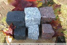 Schwarzer, dunkelgrauer Naturstein - Granit, Syenit, Gabro, Schiefer / Schwarzer, dunkelgrauer Naturstein (Schwede, Gabro, Syenit, Schiefer) hat eine universelle Farbe, die man mit anderen Farben auf  unterschiedliche Weise zusammenstellen kann. Das betrifft selbstverständlich auch schwarze und dunkelgraue Natursteine... Aus solchen z.B. Natursteinpflaster lässt sich wunderschöne Muster kreieren.  In diesem Fall gibt es unbegrenzte Farbkombinationen...