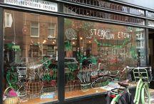 Windows, shops & coffees / Shop windows, design & unique places. Fancy coffees.