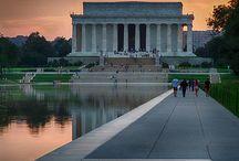 Lincoln Memorial / https://www.goldenbustours.com/