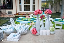modern outdoor birthday party / A modern backyard birthday party gets a new spin with lovely green and blue accents.