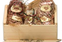 Pecan Gifts For The Holidays / Fresh Louisiana pecan gifts for the holidays.