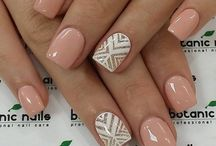 Nails / Painted Nails